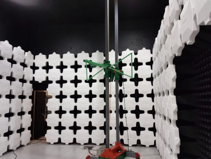 anechoic chamber with automated antenna mast